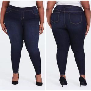 4X (26W) Torrid dark wash lean jeans